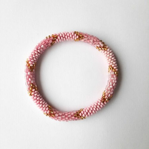 Armband mit Muster aus Glasperlen